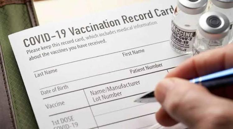 Vaccinatie van buitenlandse werknemers en hun gezinnen moeten prioriteit krijgen