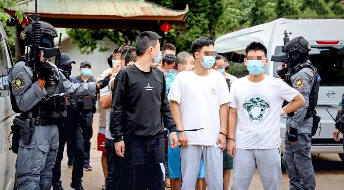 53 buitenlanders opgepakt in Mae Hong Son voor het runnen van callcenter voor nep-investeringen