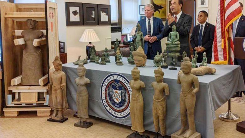 Verenigde Staten geeft 27 gestolen antiquiteiten aan Cambodja terug