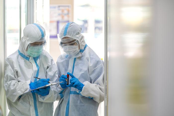 De privéziekenhuizen moeten advertentieregels t.a.v. de Covid19 vaccins zoals door het ministerie van Volksgezondheid zijn voorgeschreven nauwgezet volgen