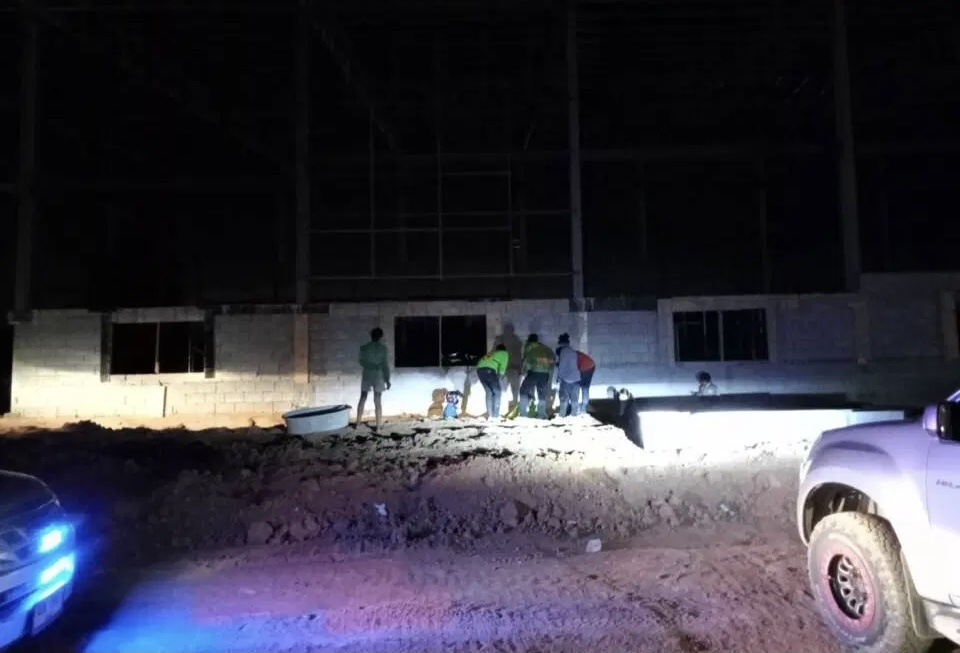 Man gewond geraakt na val van fabrieksdak in Pattaya