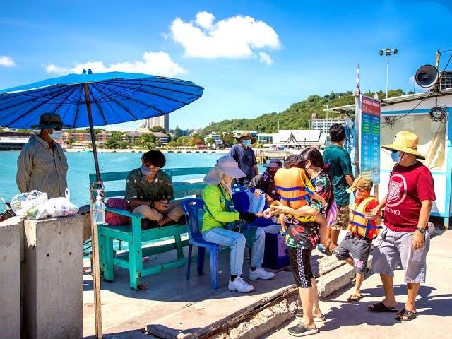 Koh Larn blij om weer toeristen te kunnen ontvangen