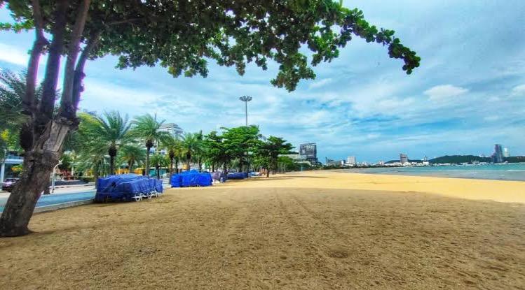 De stranden van Pattaya zijn weer open gegaan maar….. zonder alcohol!
