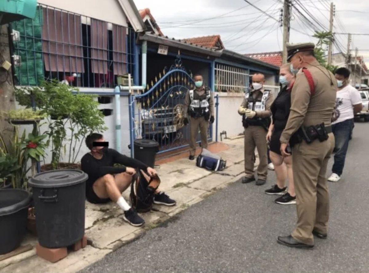 Buitenlander in Pattaya gearresteerd voor het stelen van twee flessen sterke drank en beweert dat hij heimwee heeft en teruggestuurd wil worden naar zijn land