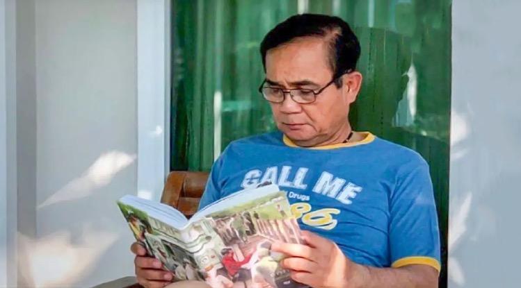 Premier Prayut Chan-O-Cha werkt vanaf vandaag thuis bij moeder de vrouw
