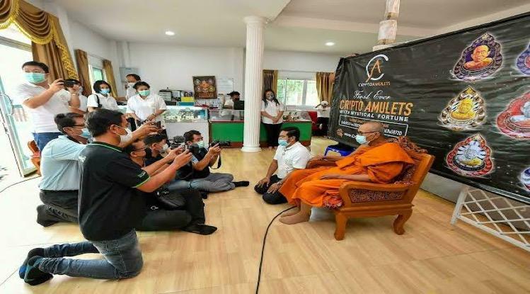 Het Thaise traditionele ontmoet het moderne met boeddhistische NFT's Crypto Amuletten