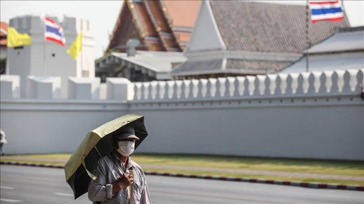 Zondag 25 juli was een gitzwarte dag in Thailand met 15.335 nieuwe Covid infecties en 129 sterfgevallen