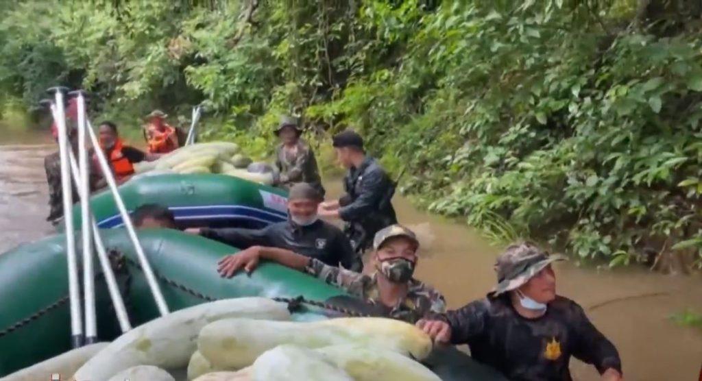 Thailand ernstig getroffen door hevige regenval die overstromingen en wegversperringen in westelijke provincies heeft veroorzaakt