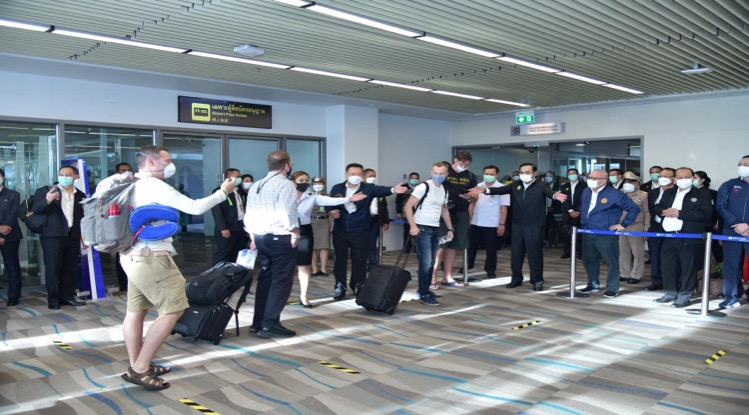 Het populaire vakantie-eiland Phuket weer opengesteld voor buitenlandse toeristen – wie gevaccineerd is hoeft niet in quarantaine