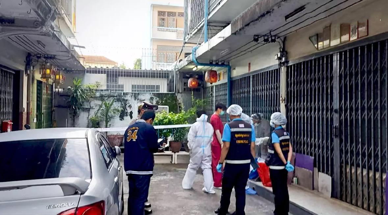 Bejaarde man springt de dood in nadat zijn dochter aan het Covid19 virus was overleden