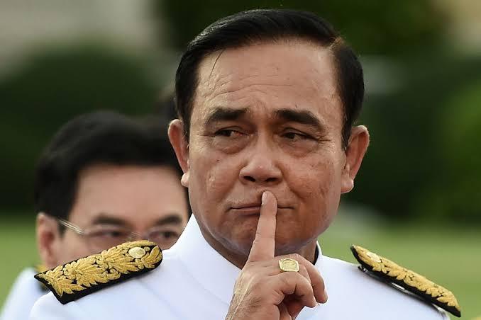 Ondanks de geruchten blijft het Thaise kabinet voorlopig aan de macht