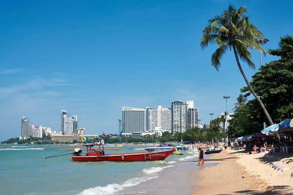 """De kustplaats Pattaya gaat onverdroten door met het """"Pattaya Move On"""" om de stad in september te heropenen"""