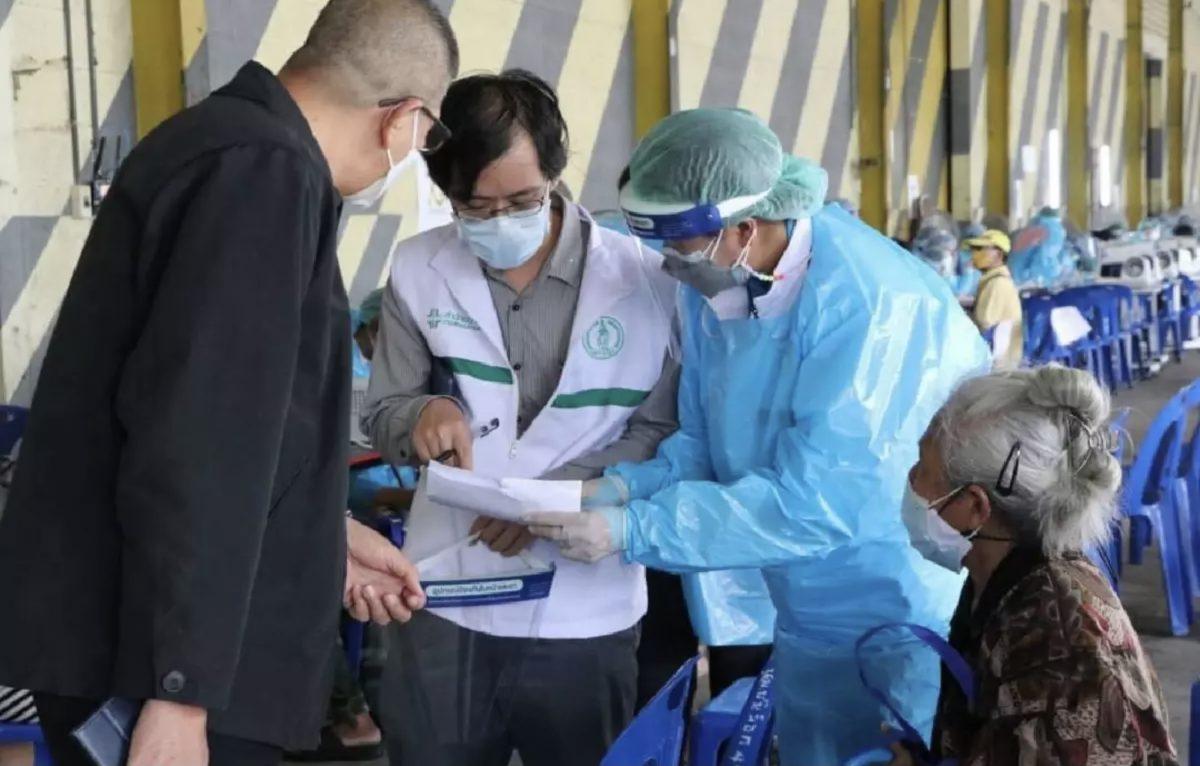 Bangkok stuurt 69 teams op pad om inwoners met een hoog risico op het Covid19 virus te testen