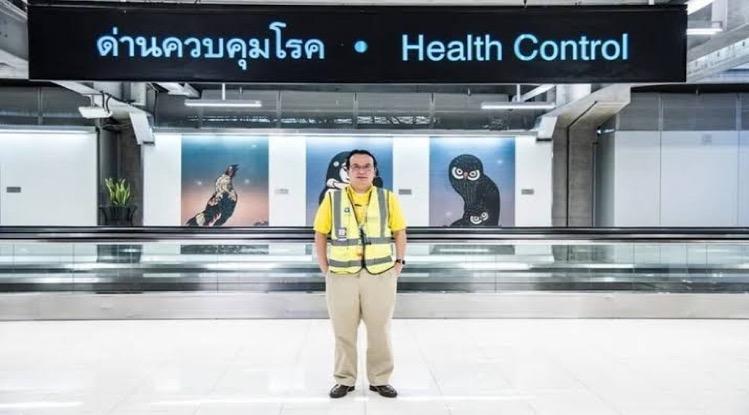 De op de luchthavens van Suvarnabhumi, Don Mueang, opgezette veldhospitalen zijn voorzien van 7.000 bedden