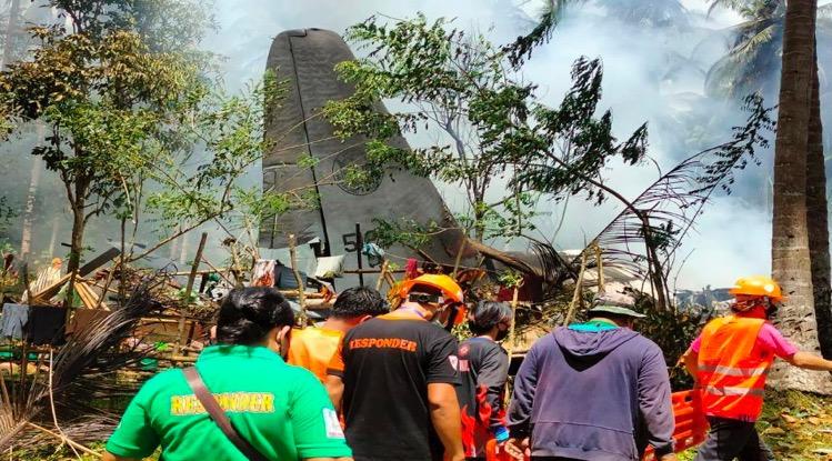 Militair vliegtuig neergestort in Filipijnen, 45 bevestigde dodelijke slachtoffers