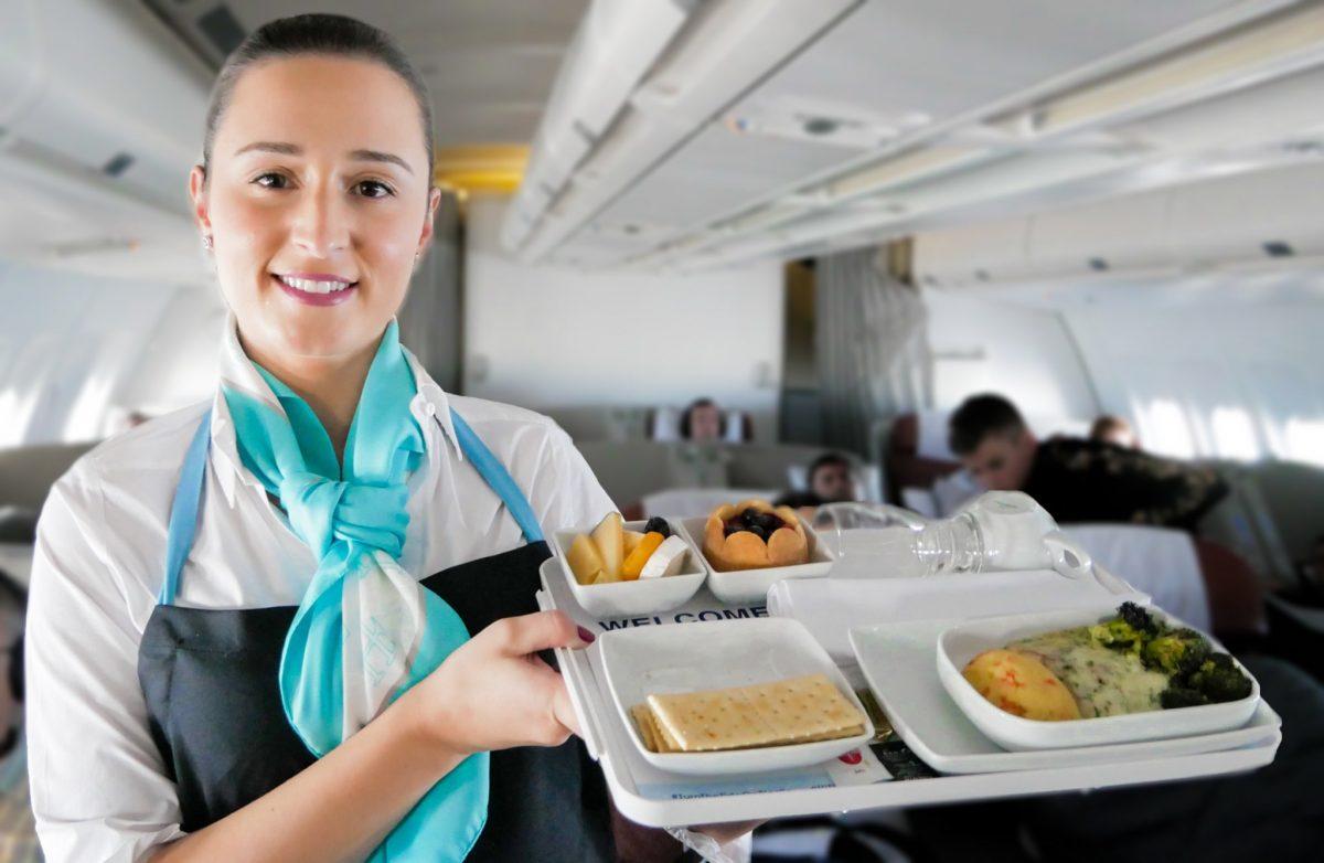 KLM schrapt mogelijk wereldwijd het vlees van het menu