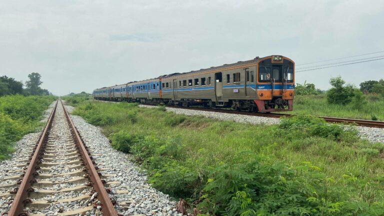 44-jarige Thaise man sterft na overreden te zijn door trein in Chonburi, politie denkt dat slachtoffer dronken was