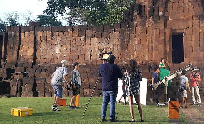 Buitenlandse filmmakers trekken massaal naar het koninkrijk Thailand en besteden daar miljarden baht
