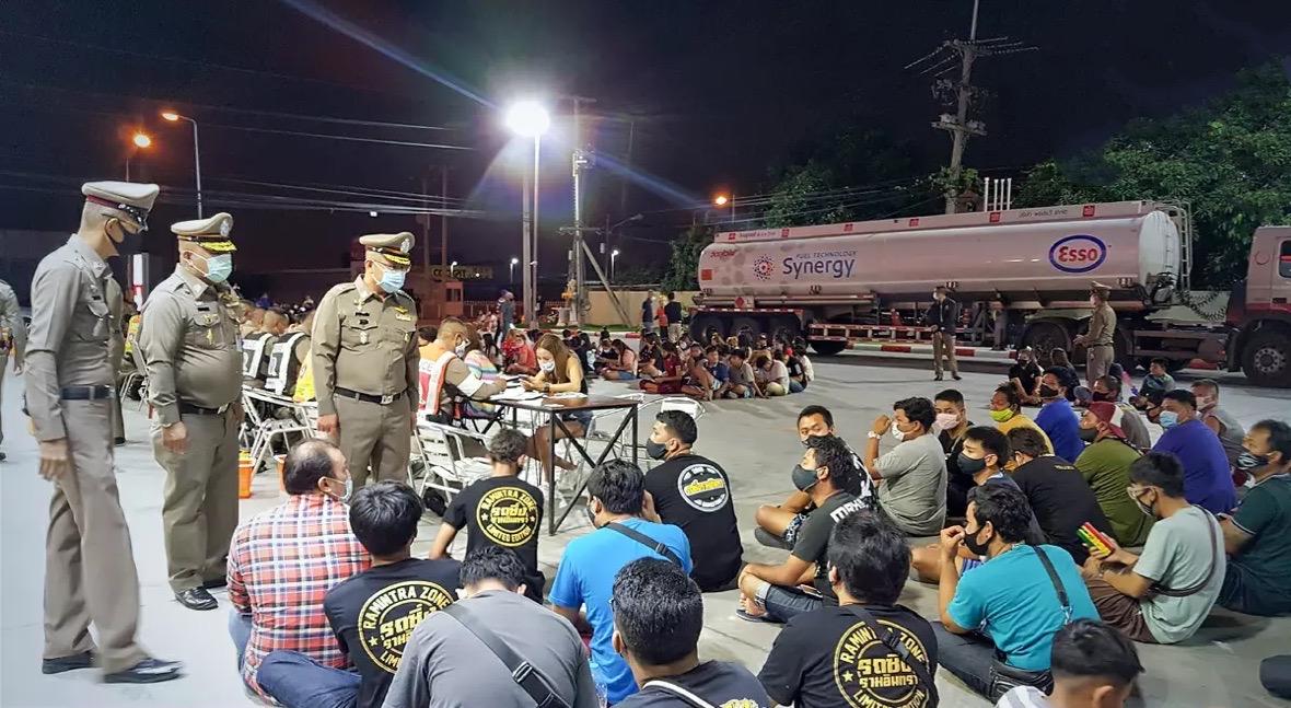 De Thaise politie heeft dit jaar al meer dan 300.000 motorfietsen motoren tijdens het illegaal straatracen in beslag genomen